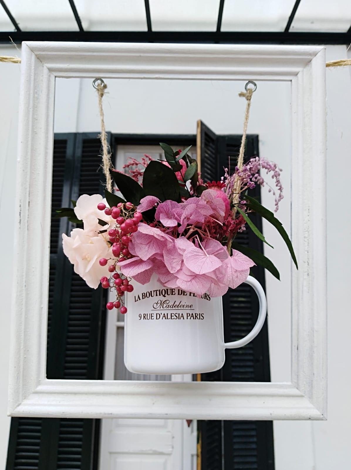Flores en el columpio rosas