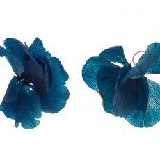 pendiente flor hortensia azul klein